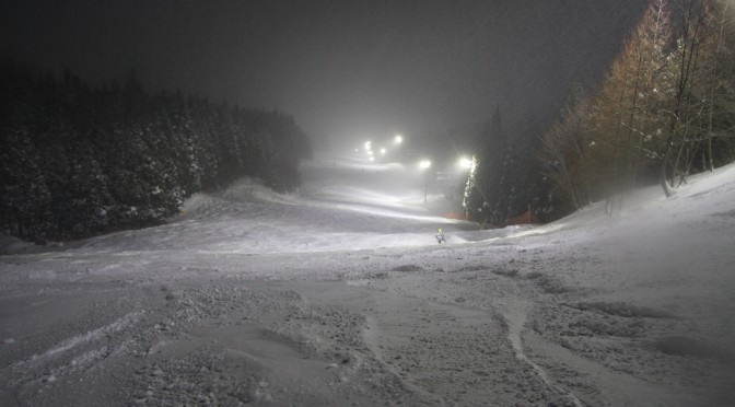 吹雪でも安全に滑走できるLED照明