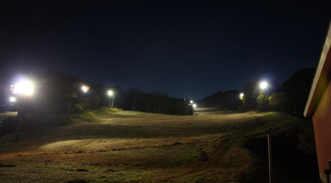 スキーゲレンデLED照明試験点灯